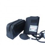 sku sx522 Santamedical Adult Deluxe Aneroid Sphygmomanometer with black cuff and Carrying case
