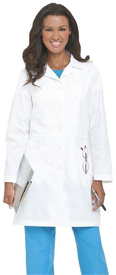 Landau-j-pocket-medical-lab-coat